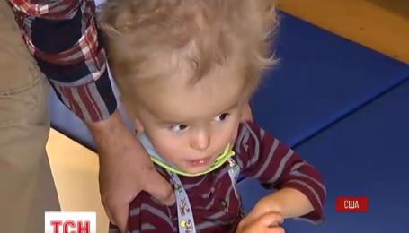 Многодетная американская семья усыновила украинского мальчика из зоны АТО