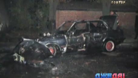 В Сумах BMW выгорела дотла