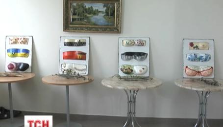 Выставка слепков женской груди открылась в Херсоне