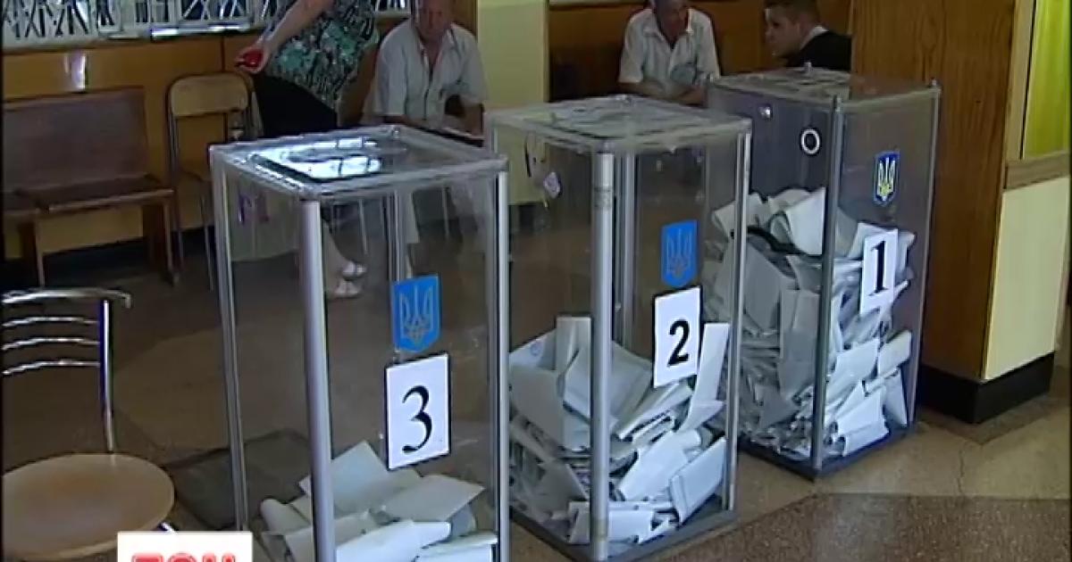Во Львове участки открылись вовремя, а на Харьковщине происходит замена бюллетеней