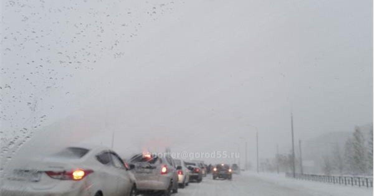 В городе выпала месячная норма снега @ gorod55.ru