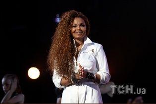 Instagram заблокировал юзеров через фото с концертов известной певицы