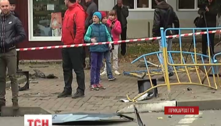 В Ивано-Франковске военный чиновник сбил двух женщин на тротуаре