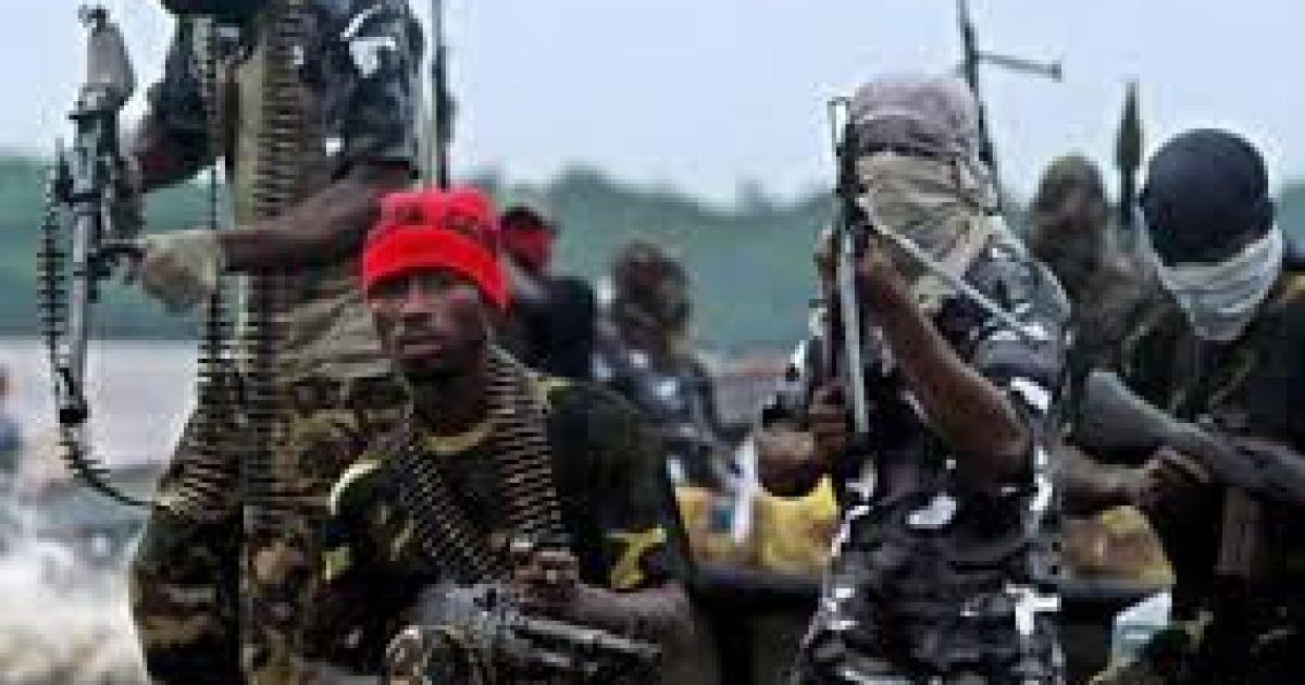 Пираты взяли в заложники двух украинских моряков у берегов Нигерии