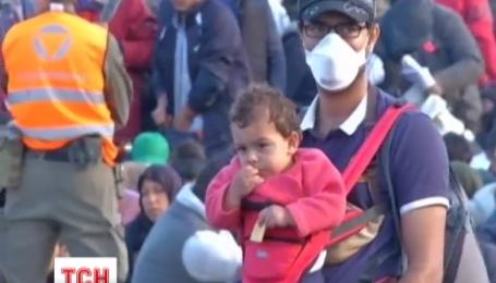 Сотні мігрантів провели цю ніч просто неба в Австрії