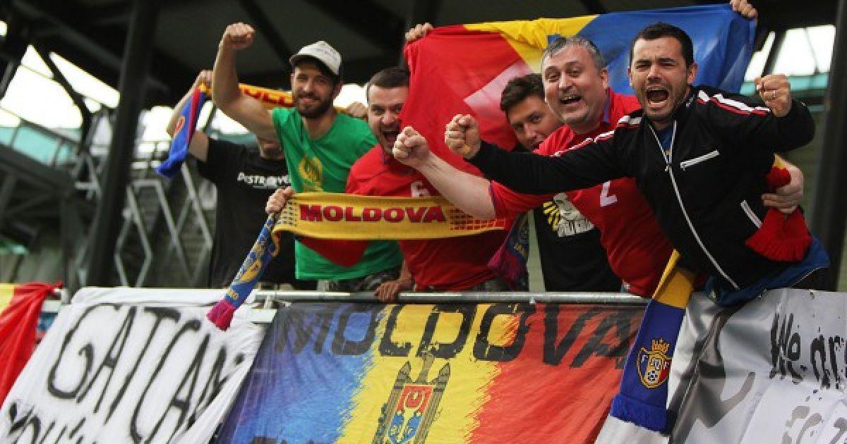 """УЄФА покарав збірну Молдови за пісню її фанів """"Путін - х*йло"""""""