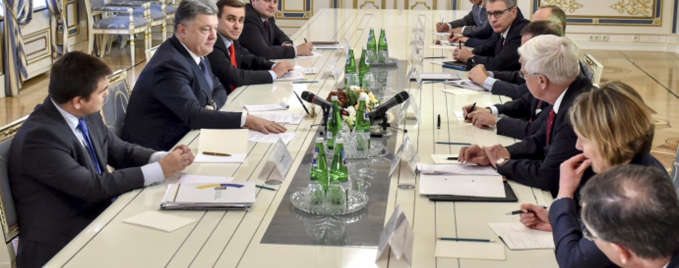 Посли G7 нагадали українським політикам, щоб слова варто підкріпляти діями