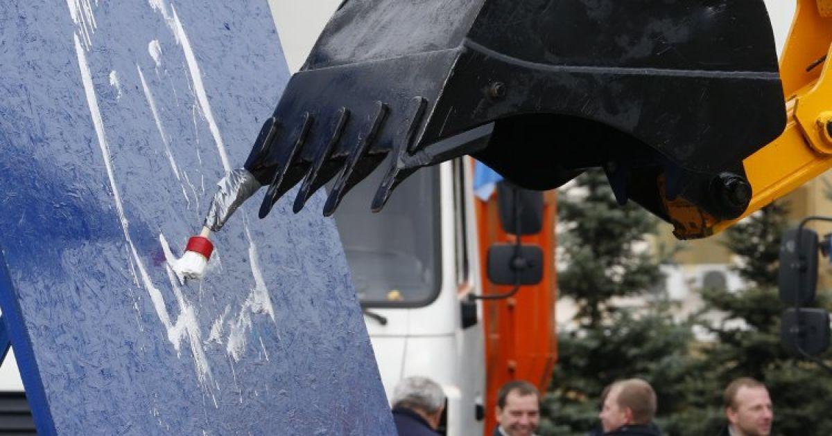 Во время соревнований операторов и водителей спецтехники в Киеве @ УНИАН