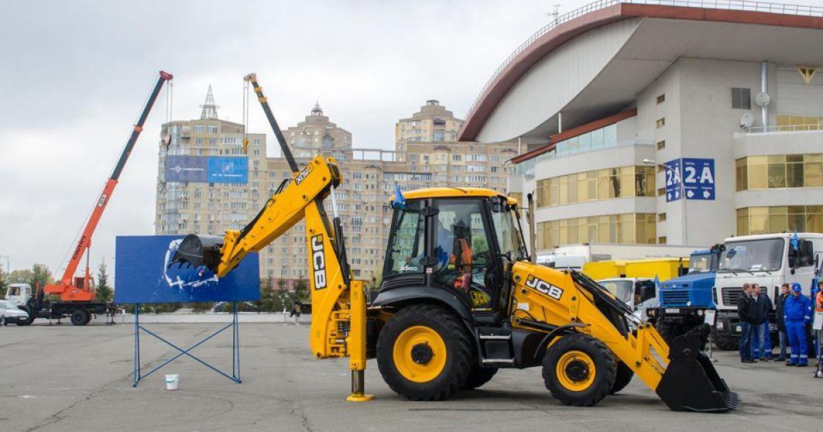 Во время соревнований операторов и водителей спецтехники в Киеве @ Киевводоканал