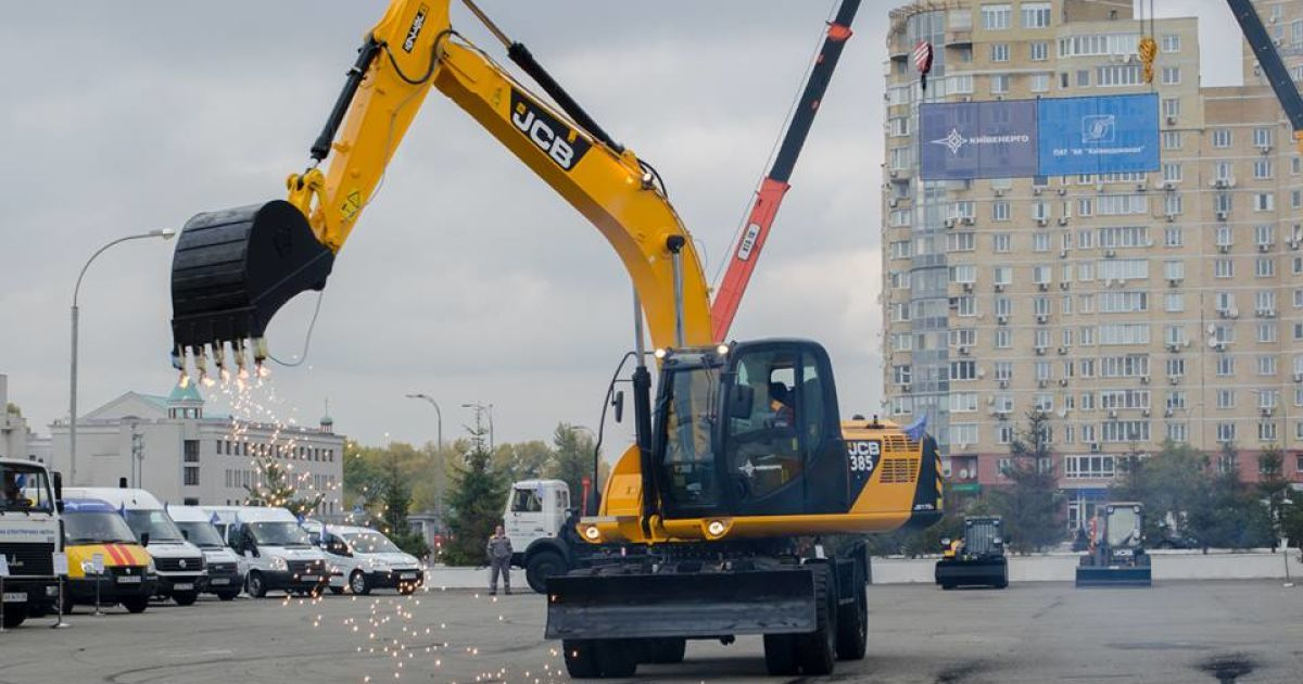 Під час змагань операторів та водіїв комунальної спецтехніки в Києві @ Київводоканал