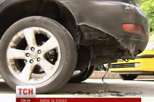 В Лисичанске неизвестные подожгли авто главы ТИК