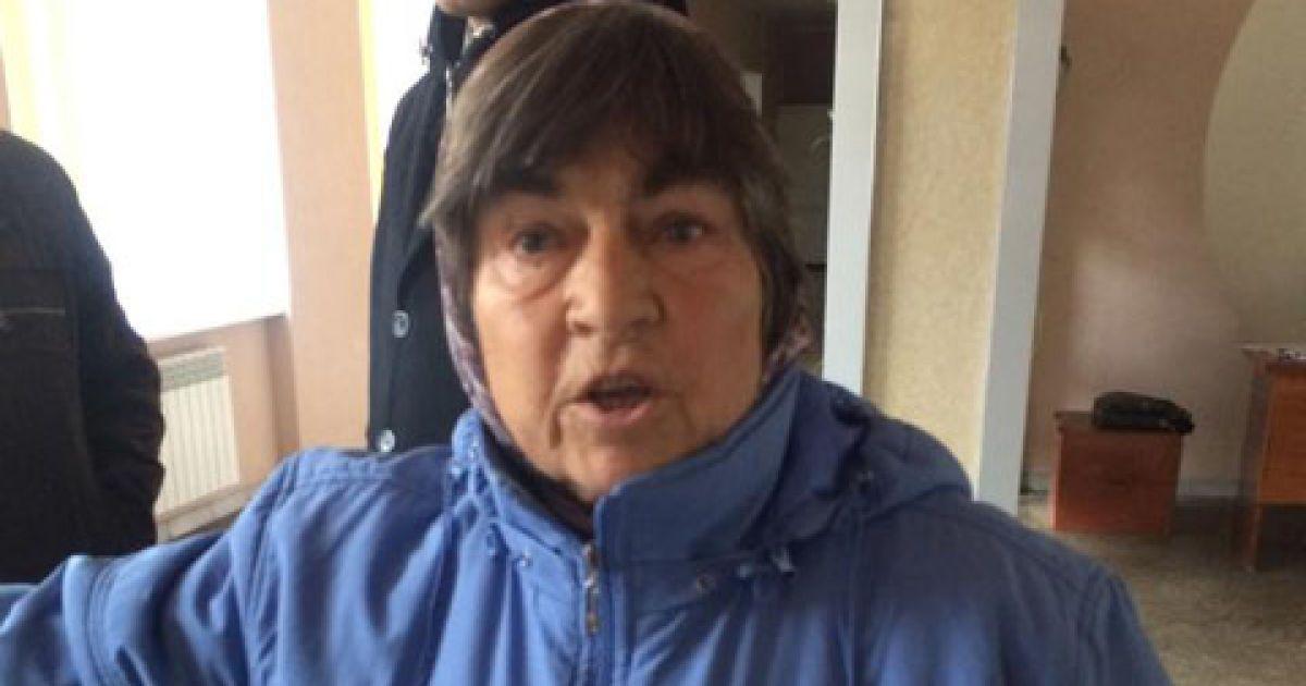 Бабушка получила по лицу @ Украинская правда