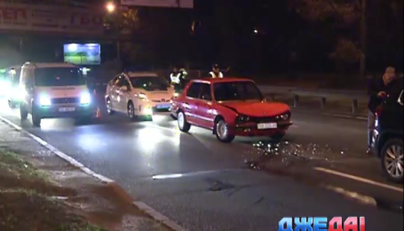 На столичной улице Елены Телиги столкнулись 5 автомобилей
