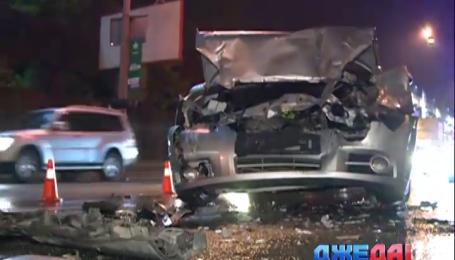 В Киеве Chevrolet на полном ходу врезался в микроавтобус