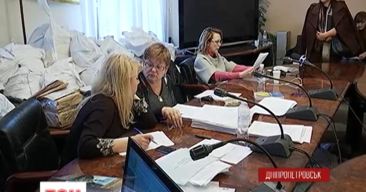 На Днепропетровщине заговорили о повторении вопиющих фальсификаций 2004 года