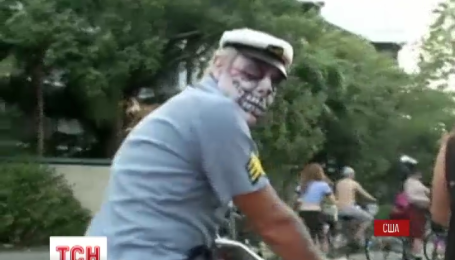 Девять тысяч людей вышли на велопарад зомби в штате Флорида