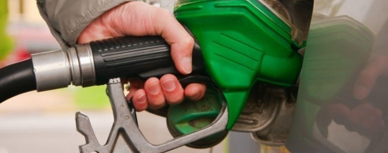 Топливо может подорожать на 5 гривен уже в мае 2018-го