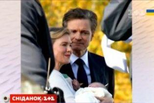 Рене Зеллвегер с новорожденным младенцем на руках растрогала фанатов