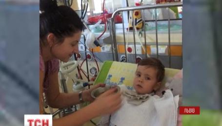 Глядачі ТСН врятували життя маленького Дем'янчика