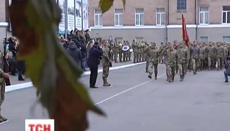 Полторак розбереться з «вуличними закликами» на службу в армію