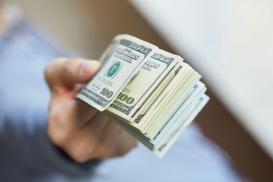 Долар і євро здорожчали в курсах валют Нацбанку. Інфографіка