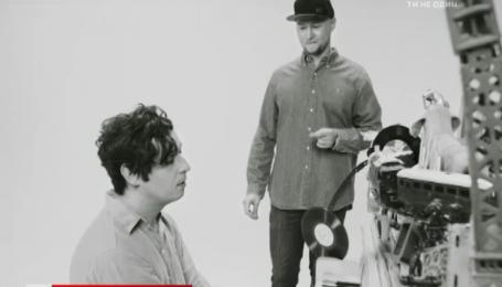 Андрей Хлывнюк и Дмитрий Шуров спели песню Джона Леннона ради детей
