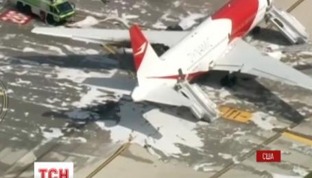 Літак із пасажирами на борту загорівся в аеропорту Флориди