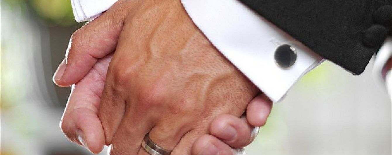 У Шотландії дозволили одностатеві шлюби серед священиків
