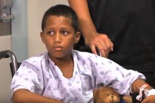 На Гавайях мальчик сумел пнуть акулу, спасая свою жизнь