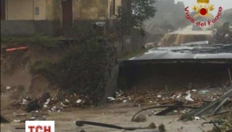 Проливные дожди разрушили дороги и мосты в Южной части Италии