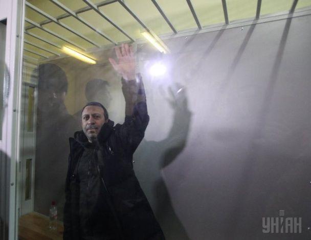 Суд в Чернигове пытается избрать меру пресечения Геннадию Корбану