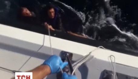 Береговая охрана обнародовала видео спасения беженцев возле греческого острова Лесбос