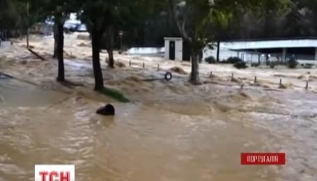Юг Португалии страдает от мощного наводнения