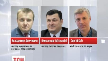 Під трьома міністрами уряду Яценюка захиталися крісла