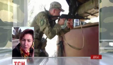 Тяжело раненого бойца должны доставить в госпиталь в Киев или Днепропетровск