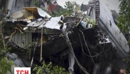 Грузовой самолет Ан-12 с российским экипажем на борту разбился в Южном Судане