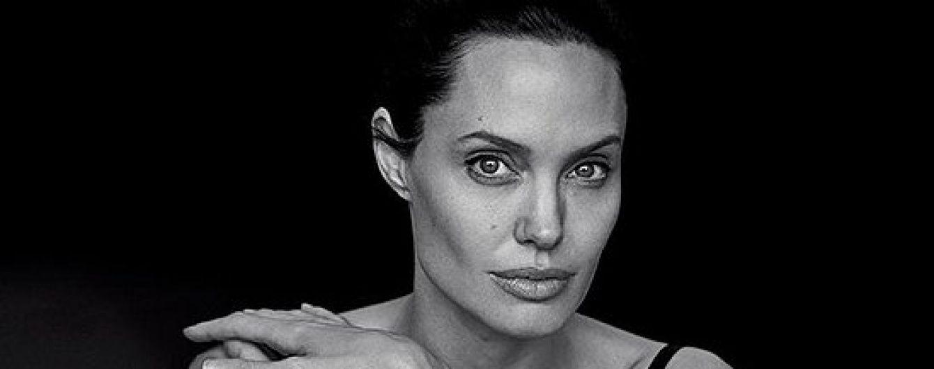 Уряд Камбоджі спростував інформацію про усиновлення хлопчика Анджеліною Джолі