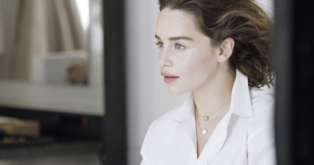 Емілія Кларк стала обличчям колекції Dior @ dior.com
