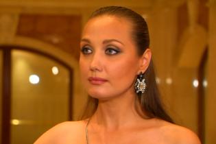 """Евгения Власова хочет уйти со сцены, потому что """"не может быть любовницей вора или женатого"""""""