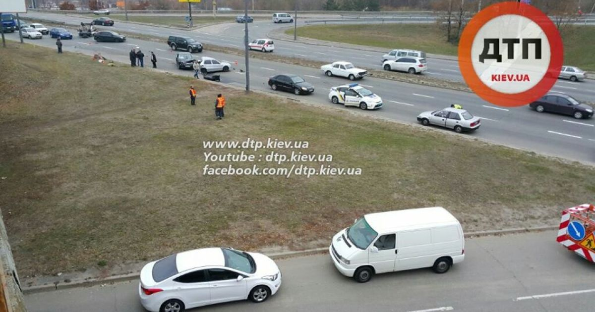 На одной из киевских улиц произошло второе жуткое ДТП за неделю @ facebook/dtp.kiev.ua