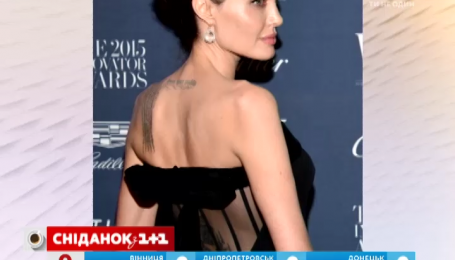 Анджелина Джоли засветила свое самое большое тату