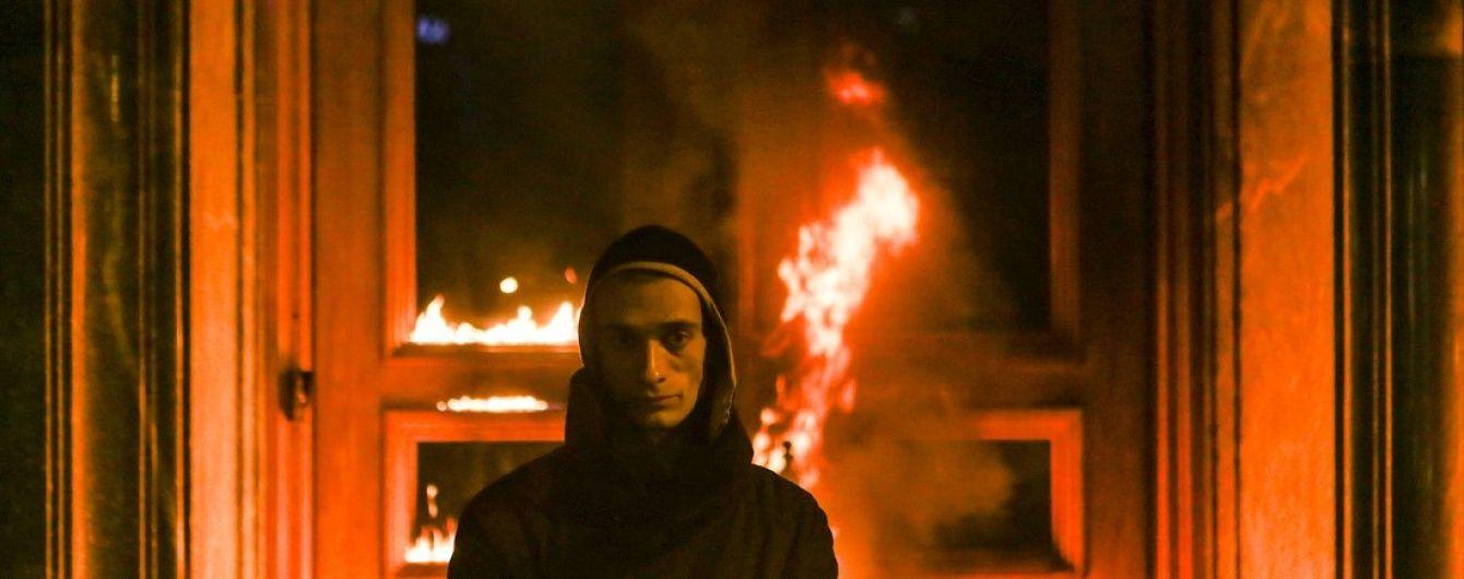 Заарештованого за підпал будівлі ФСБ художника Павленського кинули у карцер через лампочку