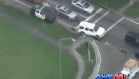 Сотня полицейских преследовала похитителей авто в США