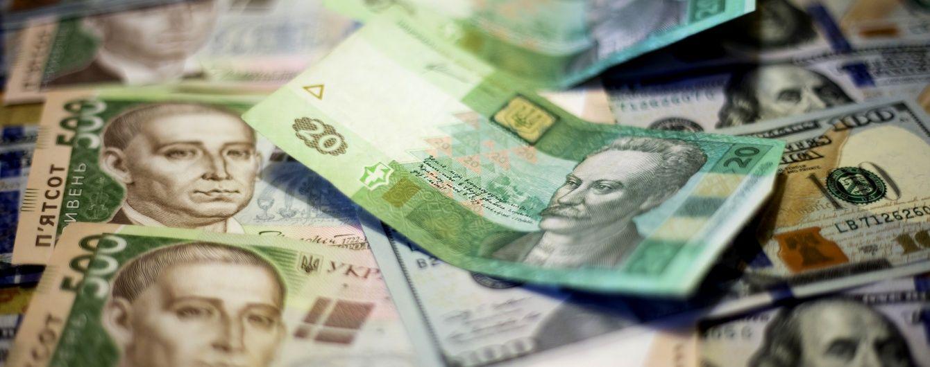 Гривня на міжбанку продовжує зміцнюватися