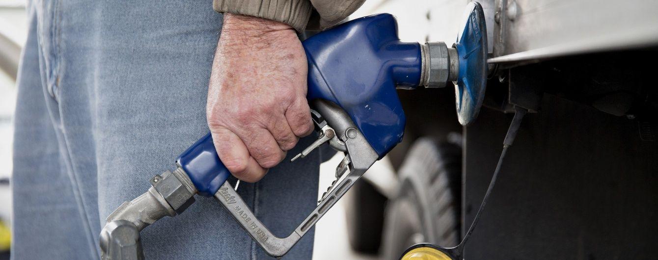 Сколько стоит заправить авто на АЗС. Средние цены на 16 июля