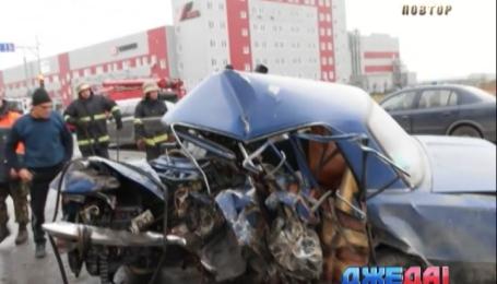 На Киевщине Hyundai столкнулся с «копейкой»