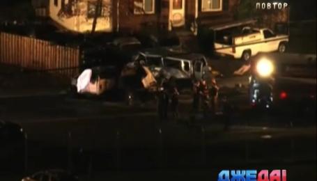 В Мэриленде четыре человека погибли в результате столкновения микроавтобуса и двух легковушек