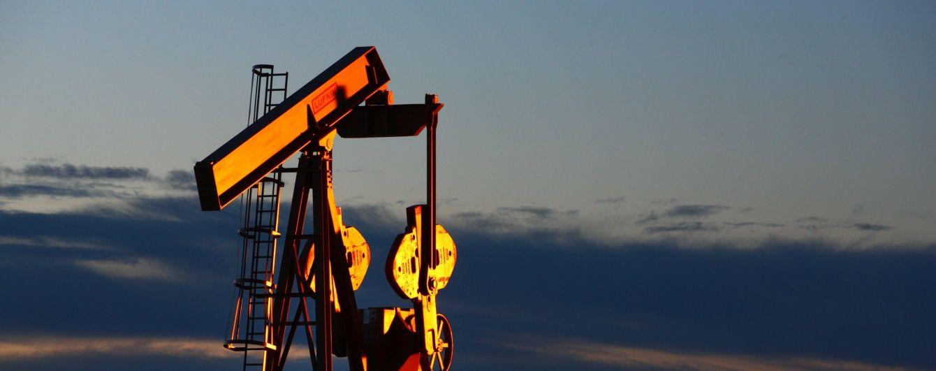 Цена на нефть впервые с начала года начала снижаться