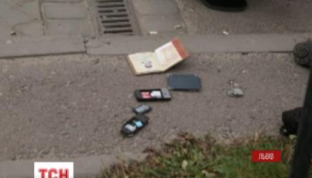 У Львові п'яний водій збив жінку, що стояла на тротуарі