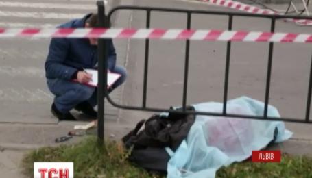 На тротуарі у Львові п'яний водій збив жінку